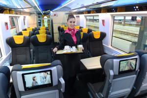 Železnièný dopravca spoloènos RegioJet predstavil v Košiciach 8. októbra 2014 nový designový vagón RegioJet – Astra. FOTO TASR – František Iván